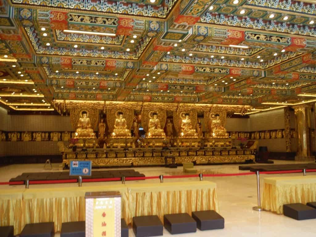 So many Buddha's!