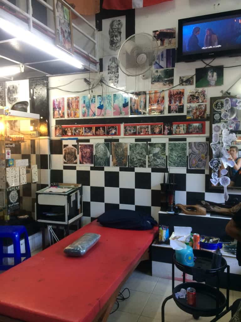 Tapear1994's tattoo shop.