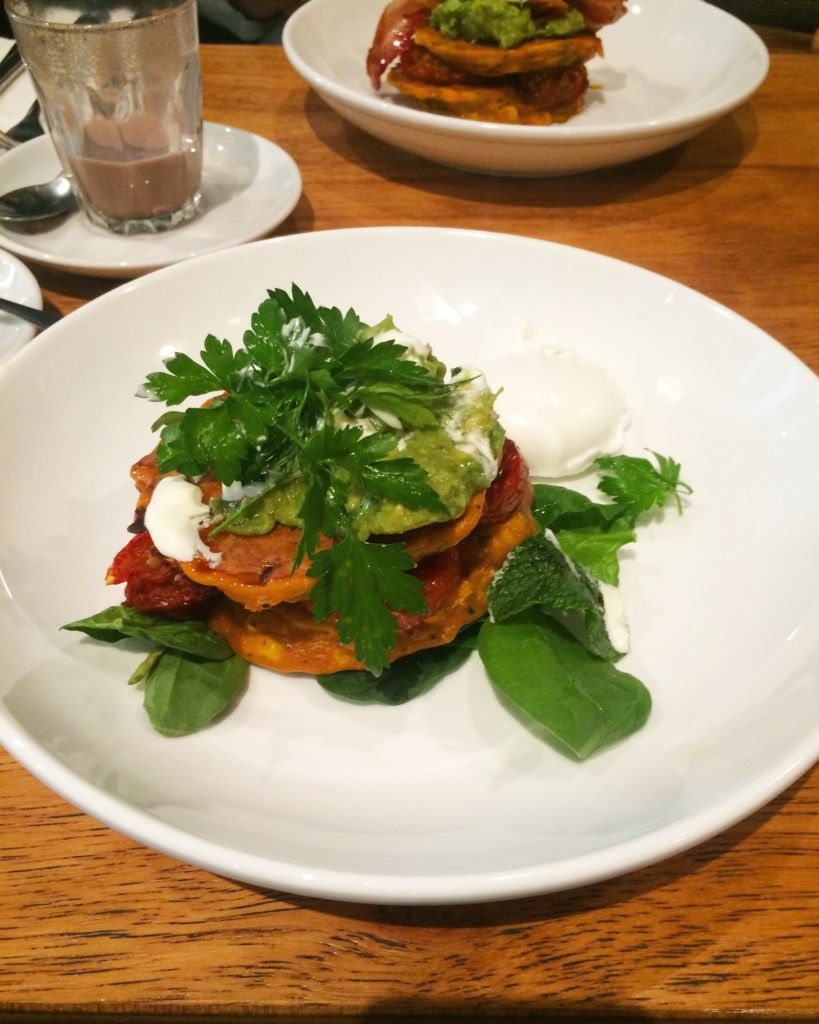 Corn fritters with poached egg, spinach, tomato & avocado!