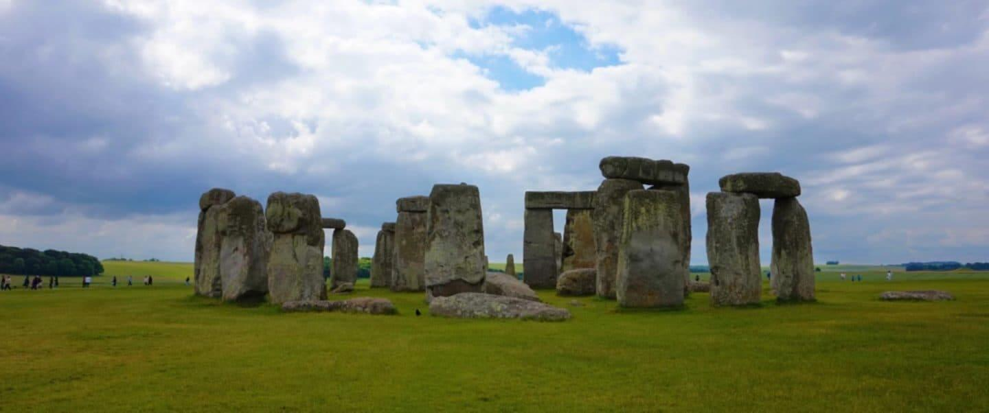 A Day Trip to Stonehenge & Bath from London!