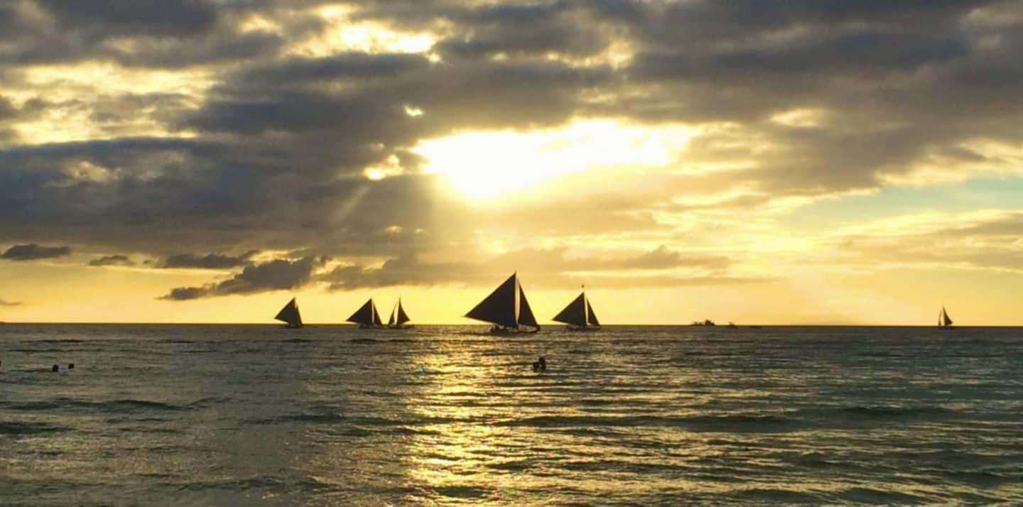 One Week in Beautiful Boracay, Philippines!