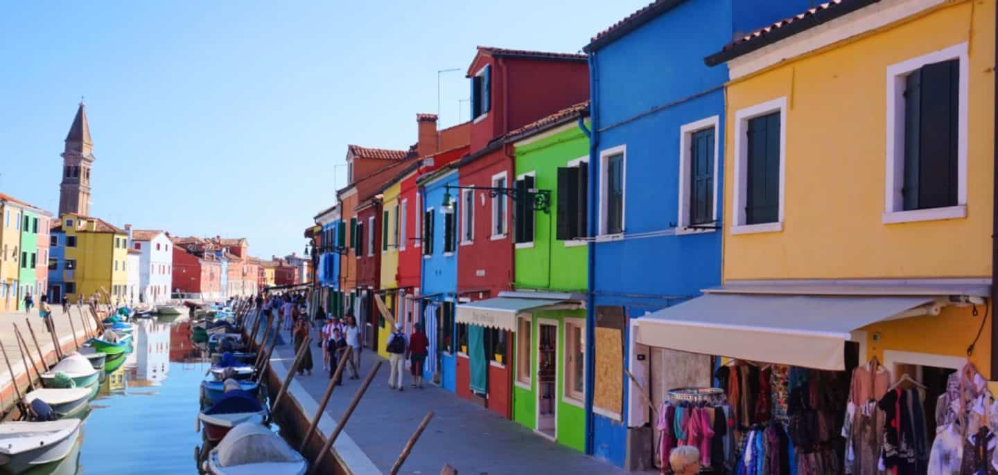 How to Visit the Colourful Island of Burano, Venice.