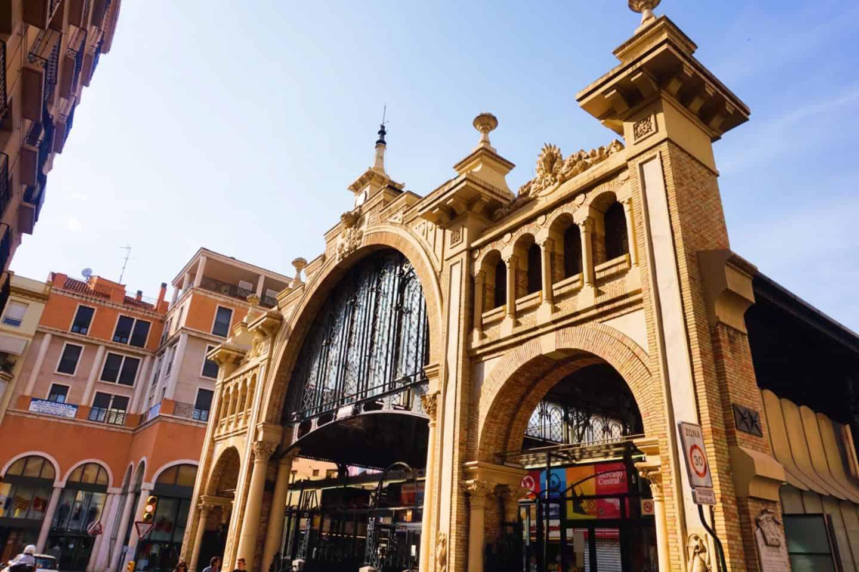 guide to Zaragoza spain central market