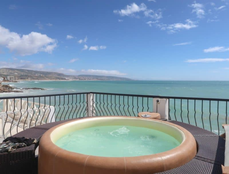 Dfrost Almugar Surf and Yoga House Taghazout hot tub