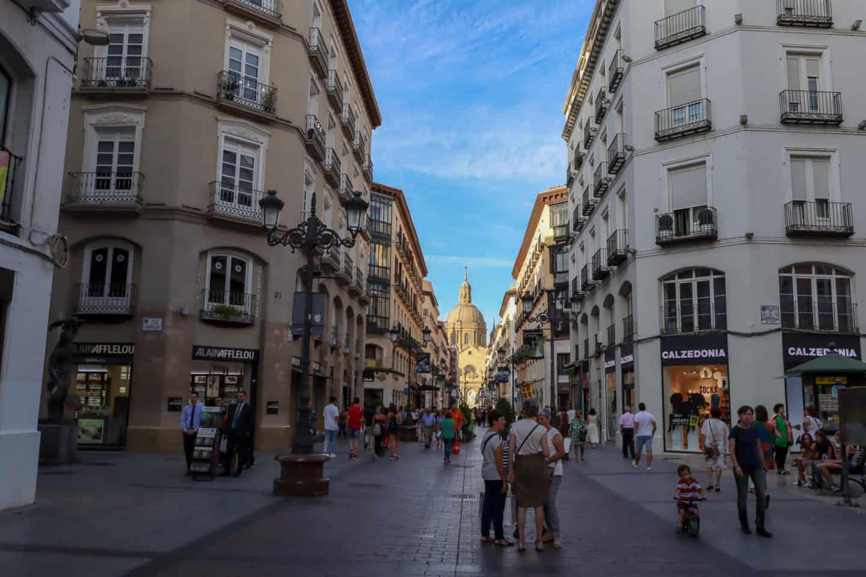 guide to Zaragoza spain calle alfonso