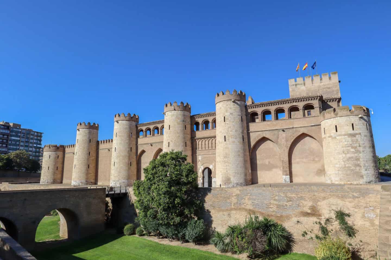 guide to Zaragoza spain palace